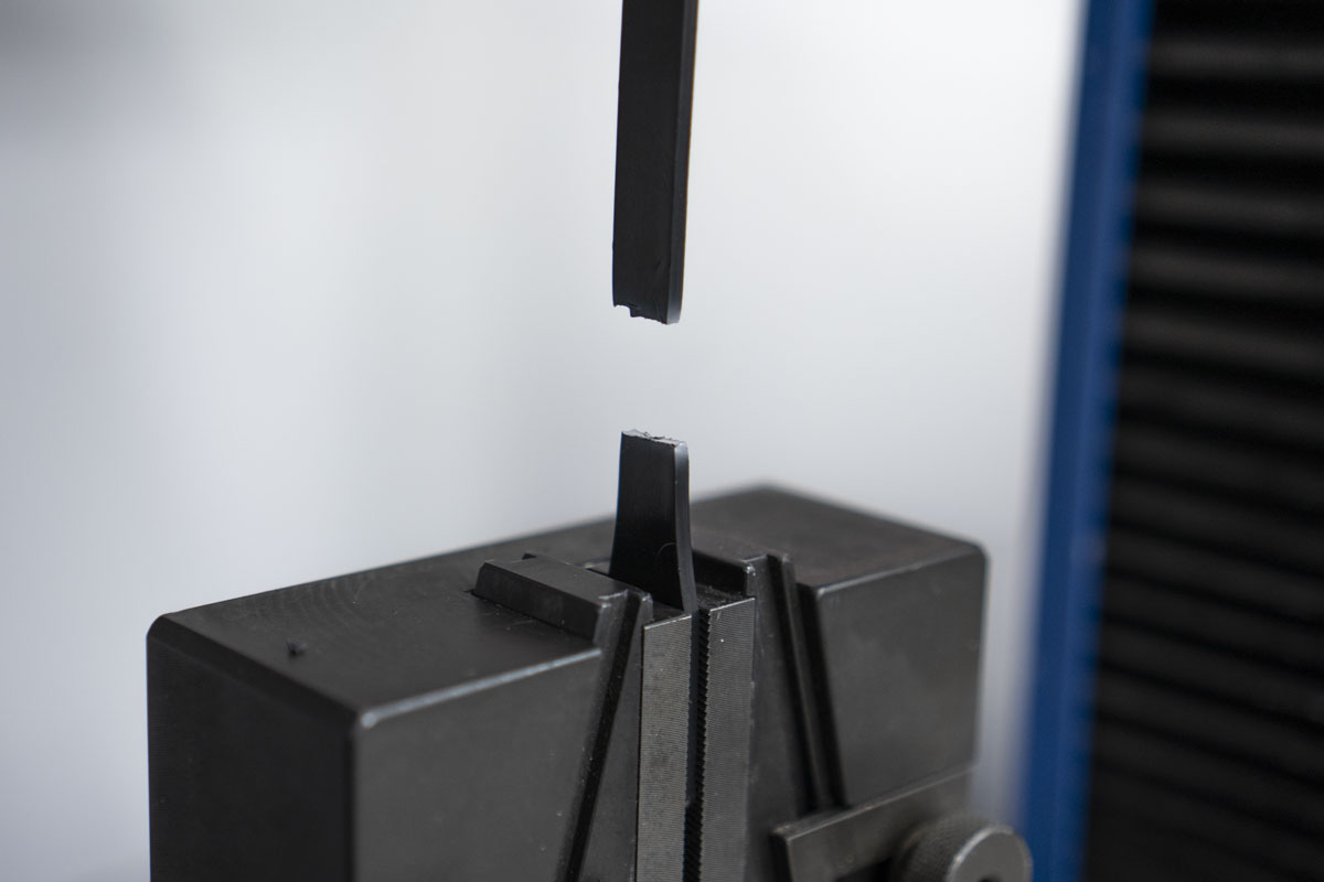 Tecnoplast laboratorio prove